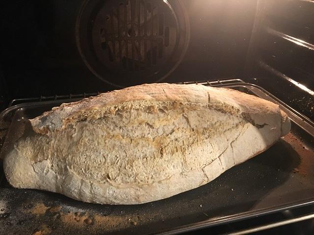 preparazione-pane-di-grano-a-lievitazione-naturale-32