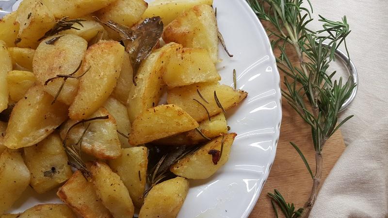 patate-al-forno-croccanti-fuori-e-morbide-dentro-1