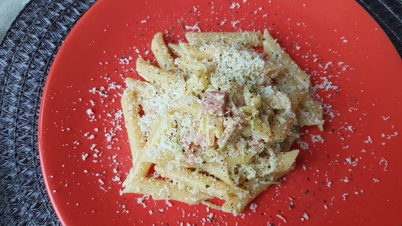 pennette-con-zucchine-philadelphia-e-prosciutto-cotto-2