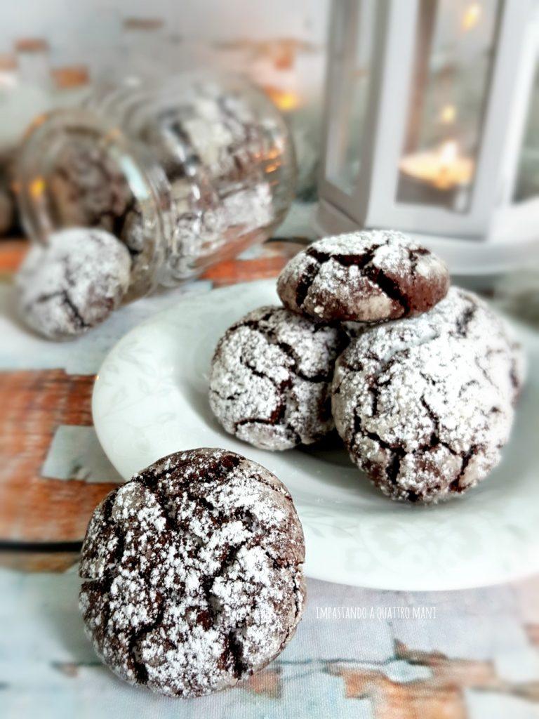 chocolate crinkles, biscotti al cioccolato morbidi