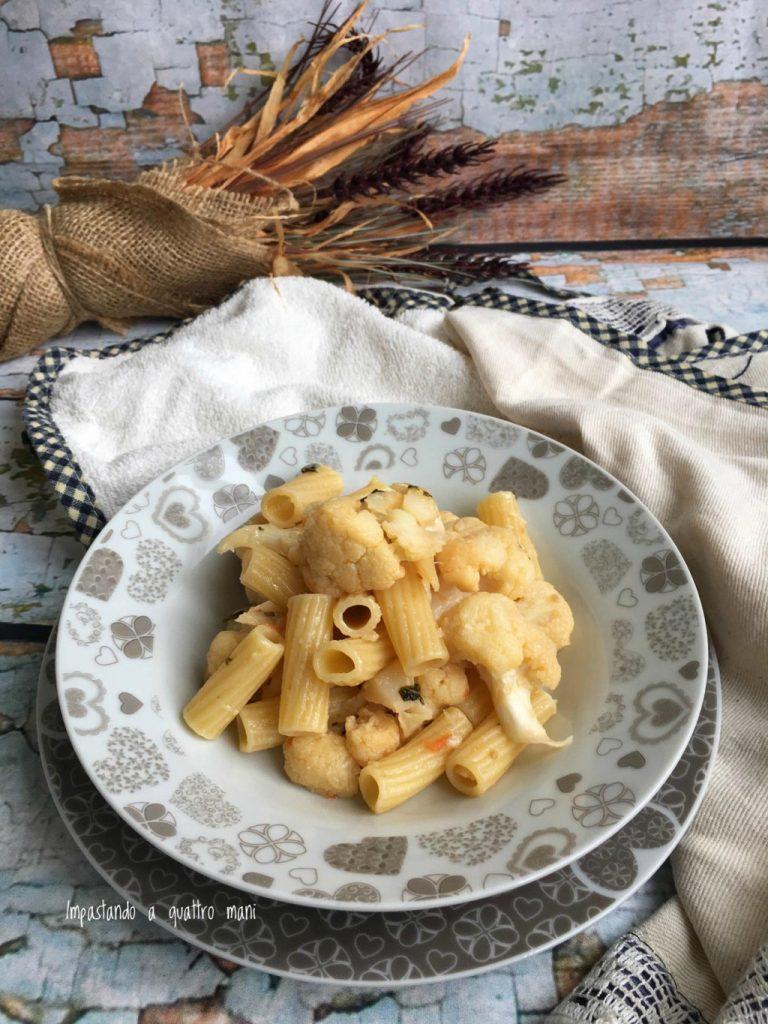 pasta con il cavolfiore, un primo piatto semplice e gustoso