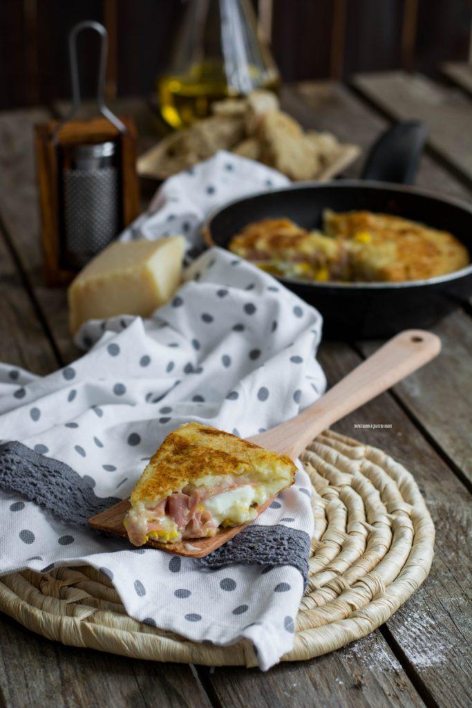 gattò o gateau di patate in padella veloce, senza uovo nell'impasto