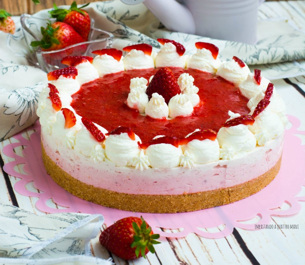cheesecake fredda alle fragole e yogurt