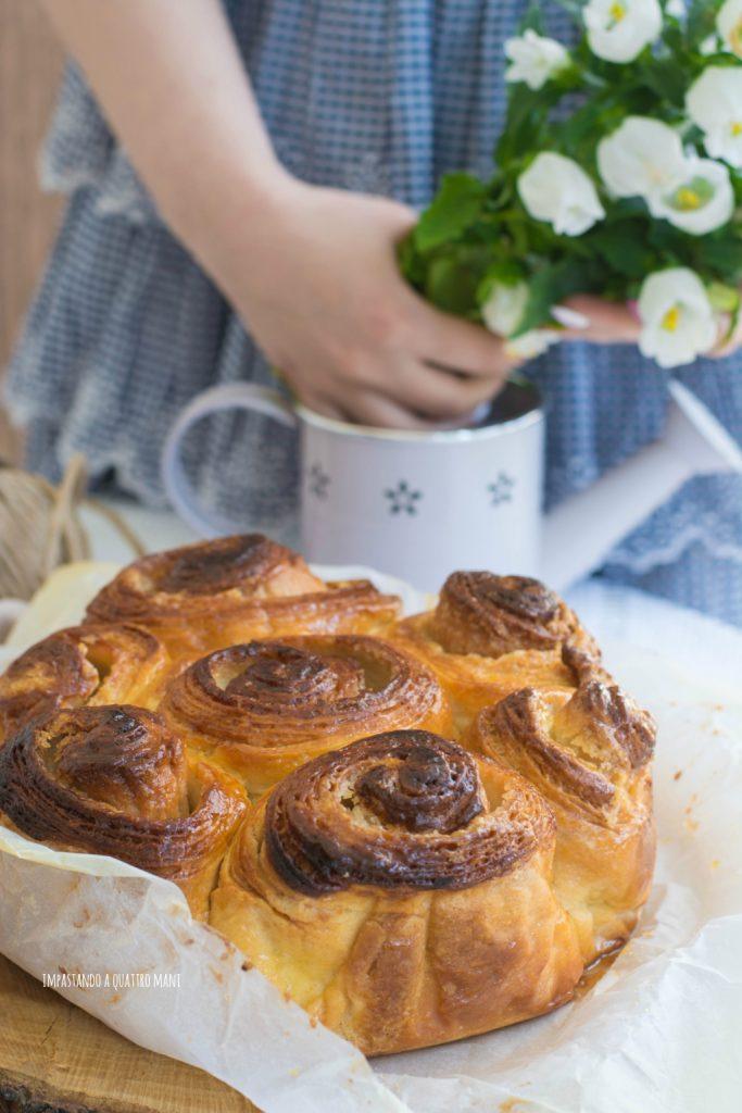 torta delle rose con sfogliatura
