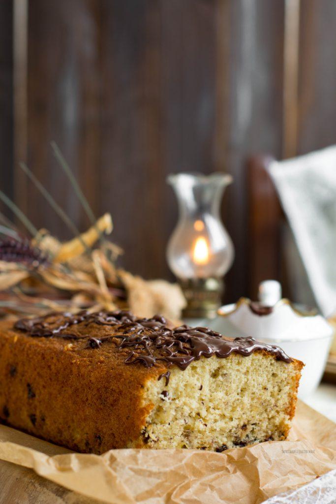 plumcake alla banana con yogurt alla vaniglia e gocce di cioccolato fondente