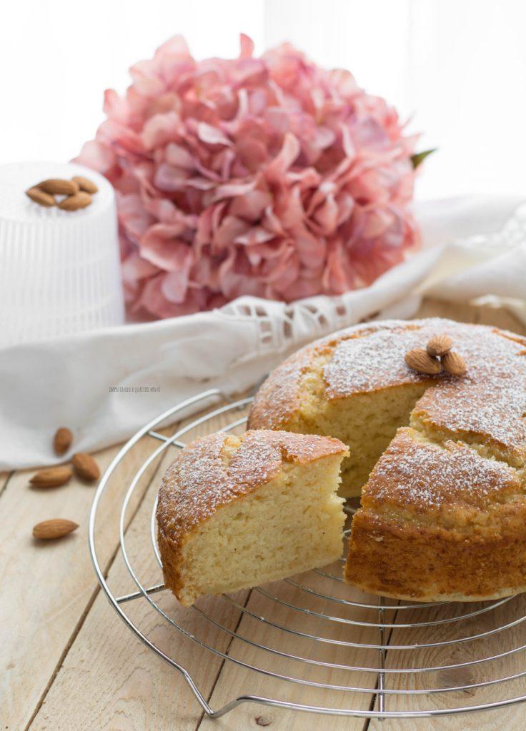 torta soffice con ricotta e farina di mandorle